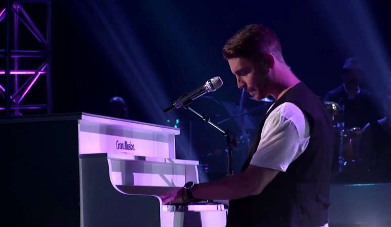 "Nick Fradiani performing ""I Won't Give Up"" on ""American Idol XIV"" 2015"