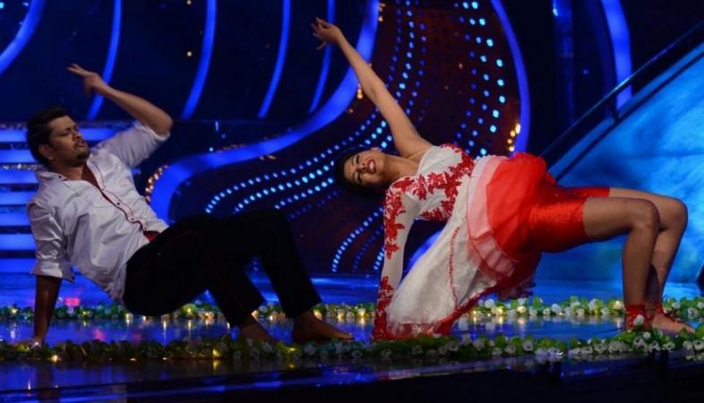 'Nach Baliye 7': Aishwarya's Husband Rohit Nag's Face Swells Up After Repeated Slaps