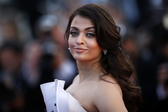 Cannes Film Festival 2015: Glamorous Aishwarya Rai Bachchan Charms the Red Carpet in Ralph & Russo