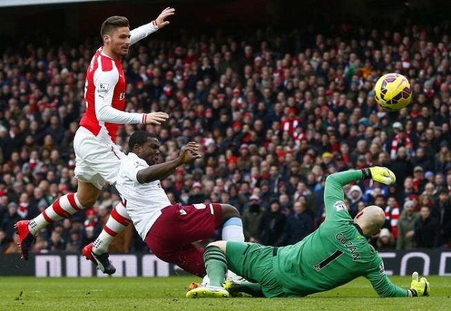 Olivier Giroud Arsenal Jores Okore Brad Guzan Aston Villa