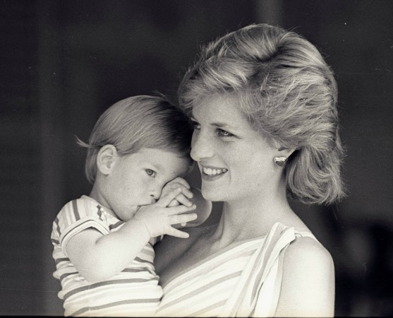 Princess Diana's aww-dorable hand-written letters reveal touching moments between Prince Harry and Prince William - IBTimes India