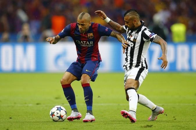 Dani Alves Barcelona Arturo Vidal Juventus