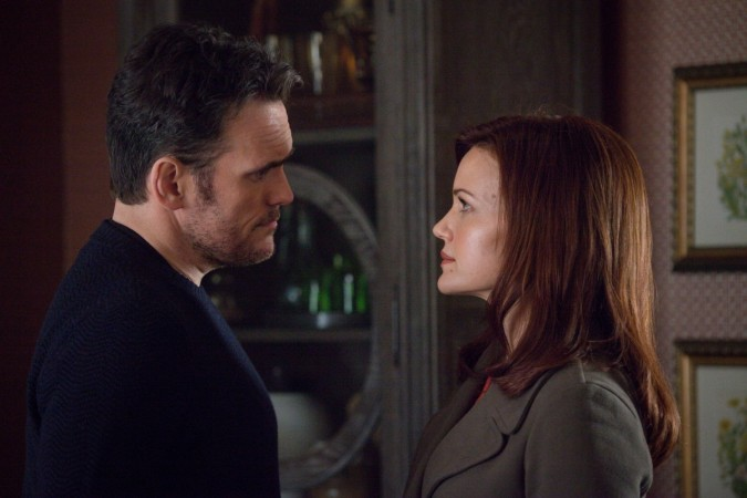 Ethan and Kate in 'Wayward Pines'