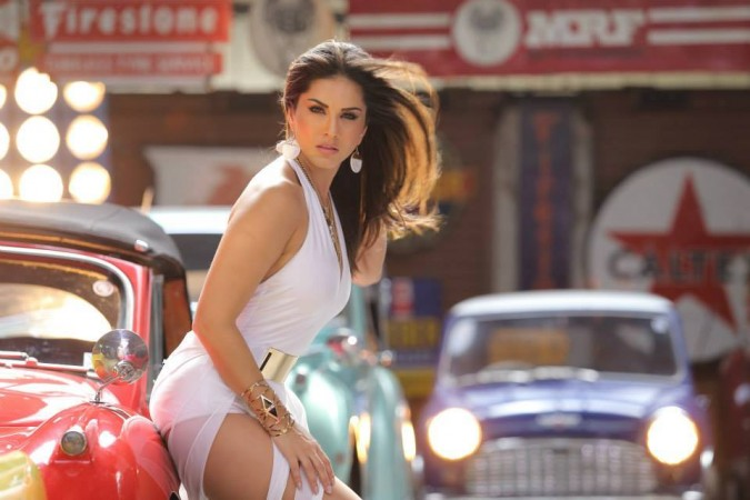 Sunny Leone Tops Most Searched Indian Celebrity 2016 List Again Beats Pm Modi, Salman -8491