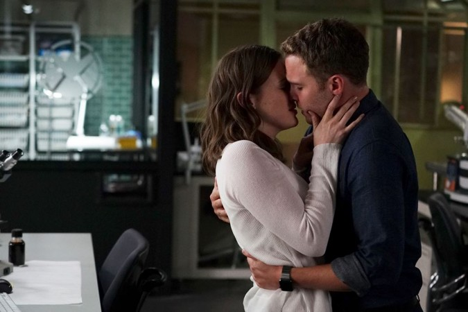 Simmons and Fitz sharing a romantic moment