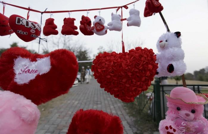 Funny Valentine S Day Jokes For All The Singles Out There Ibtimes