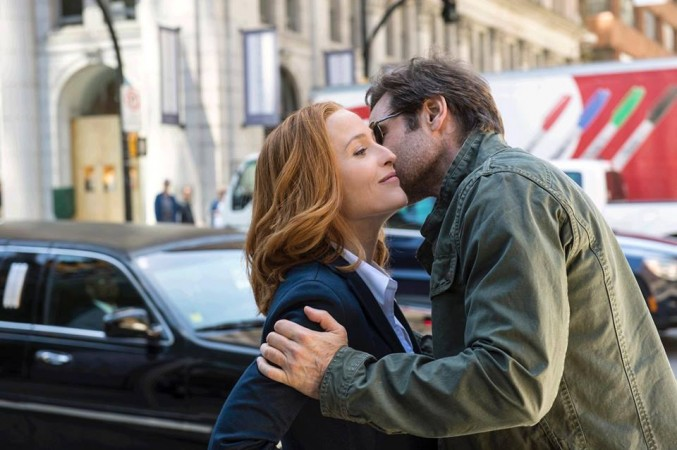 Duchovny and Anderson as Mulder and Scully