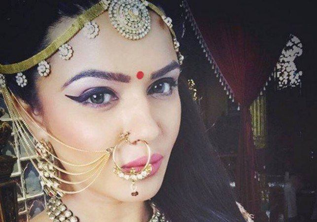 "Aashka Goradia to enter as Ichchadhari Madhumakhi in ""Naagin."" Pictured: Aashka Goradia"