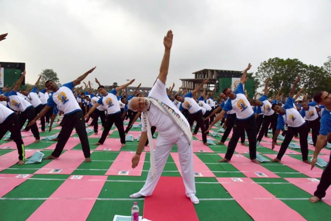 The Prime Minister, Shri Narendra Modi participating in the mass yoga demonstration at the Capitol Complex, Chandigarh, on the occasion of the 2nd International Day of Yoga – 2016, on June 21, 2016.