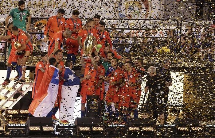 Chile Copa America Centenario trophy