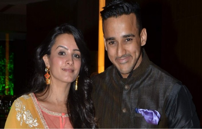 """""""Yeh Hai Mohabbatein"""" actress Anita Hassanandani shares picture of her new car. Pictured: Anita Hassanandani and her husband Rohit Reddy"""