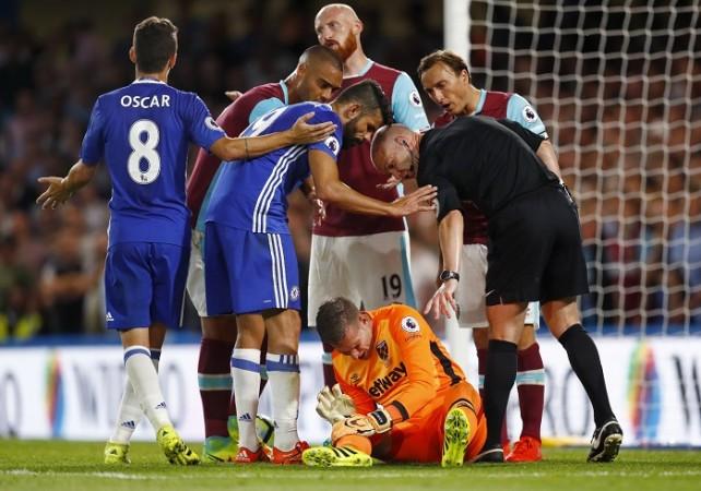 Diego Costa Chelsea Adrian West Ham Anthony Taylor