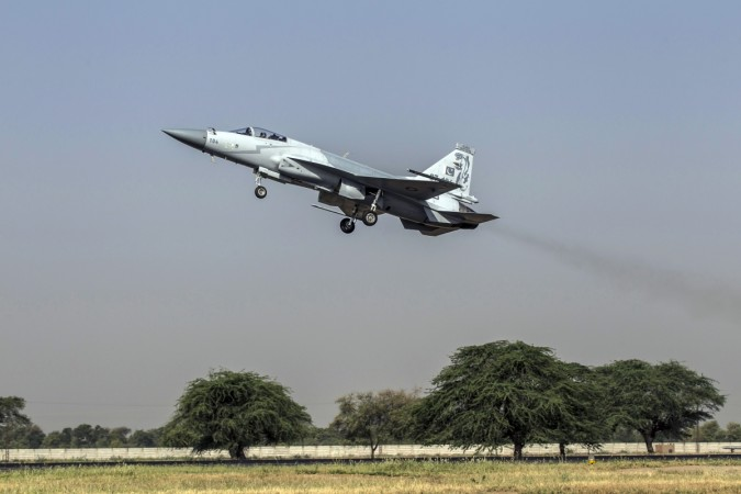 Myanmar inches closer to licence-build JF-17 Thunder
