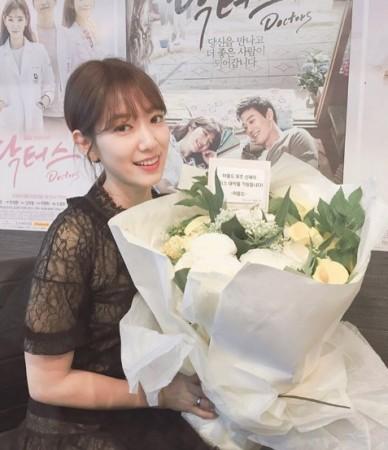 Doctors' Season 2 update: Are Park Shin Hye and Kim Rae Won dating