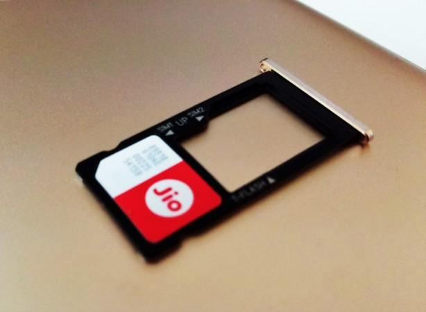 Jio sim card, Reliance Jio, Airtel, BSNL, Reliance Jio Prime