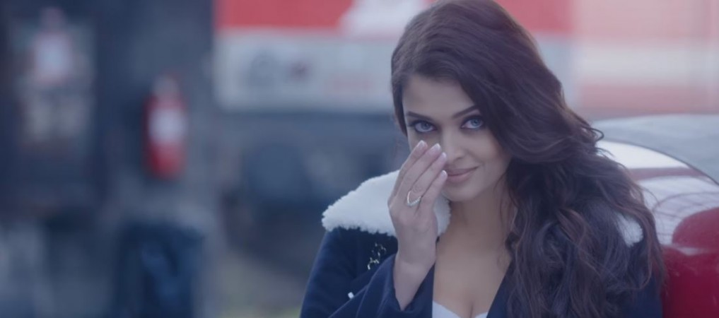 Aishwarya Rai Bachchan Signed No Intimate Hot Scenes Clause For
