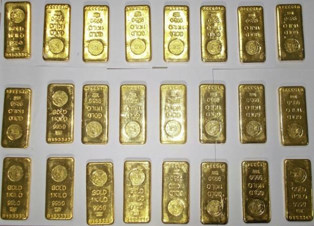 gold smuggling seized seizure dri bengaluru prices yellow metal price difference india modi govt airport delhi mumbai customs