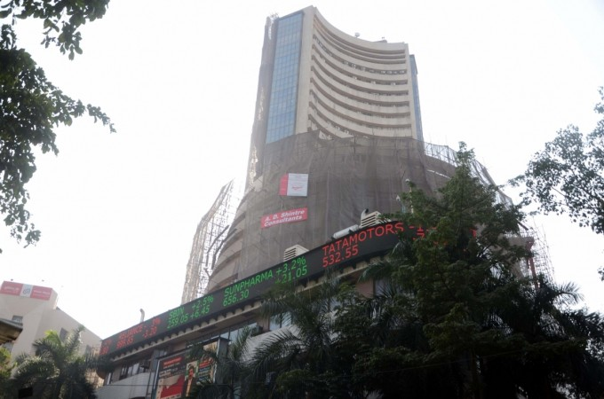 bse nse share price sensex nifty gainers losers impact currency notes rs 500 and rs 1000 donald trump hillary clinton us presidential elections results india asian global cues equities