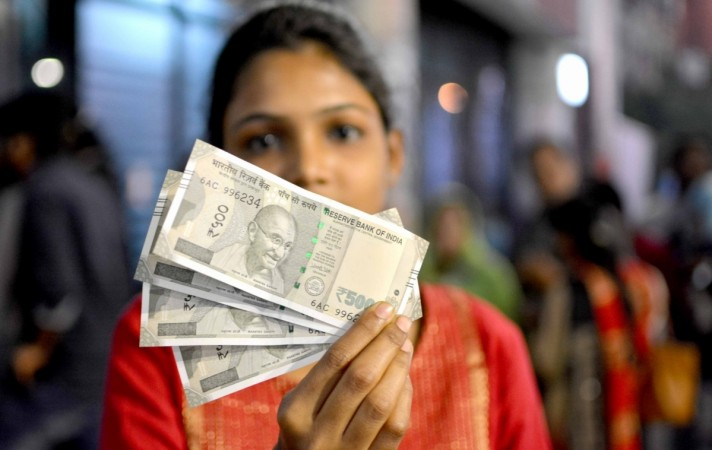 Demonetisation: New Rs 500 note hard to get in ATMs in Bangalore; cashless transactions set to thrive