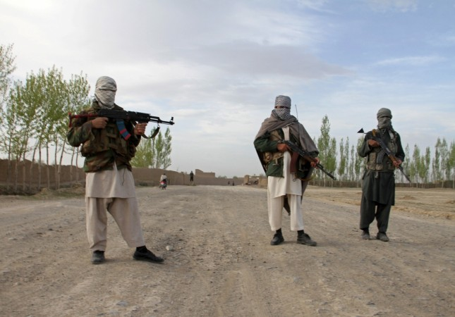Suspected militants abduct father-son duo in Hajin