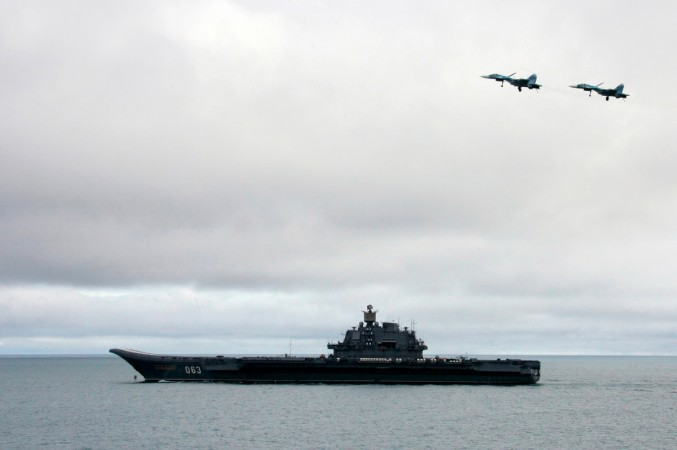 Russian fighter jet skids off aircraft carrier