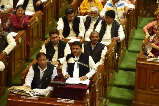 pay commission up akhilesh yadav elections up assembly 2017