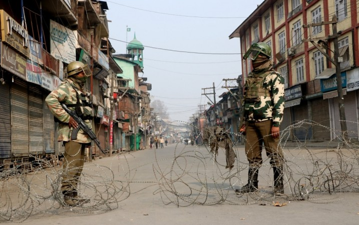 J&K: Clashes erupt in Srinagar after Friday prayers; protesters chant anti-India slogans