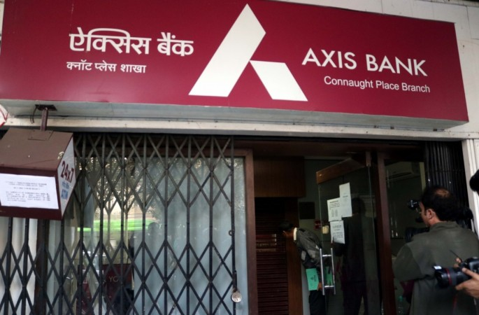 axis bank q3 results net profit fraud demonetisation gold fake accounts share price