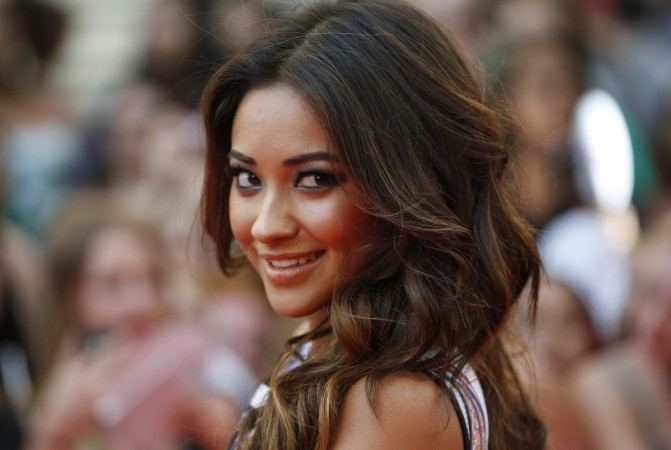 Pretty Little Liars Star Shay Mitchell Goes Nude For Sexy Shower Photo - Ibtimes India-4387