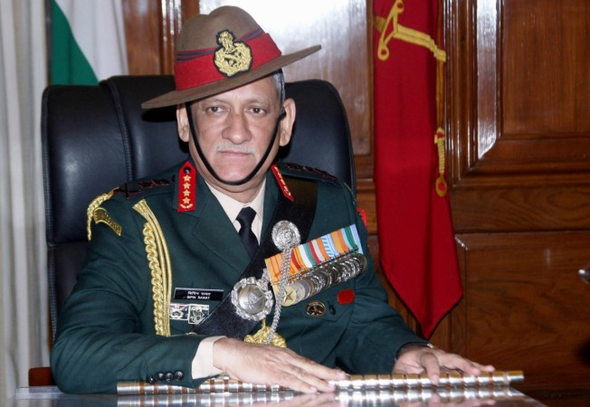Indian army chief warns Kashmiris, says freedom not possible