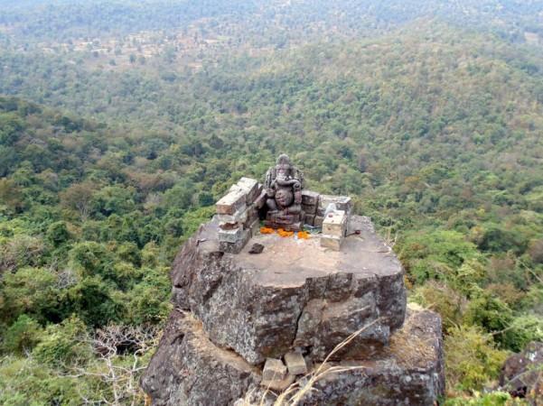 1,000-year-old Ganesha idol atop Dholkal mountain
