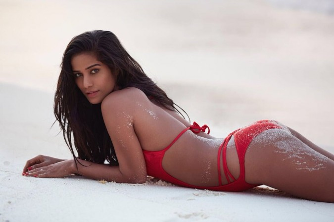 Poonam Pandey Sexy Video