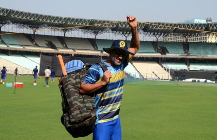 MS Dhoni, Vijay Hazare Trophy, Jharkhand team, MS Dhoni's fan