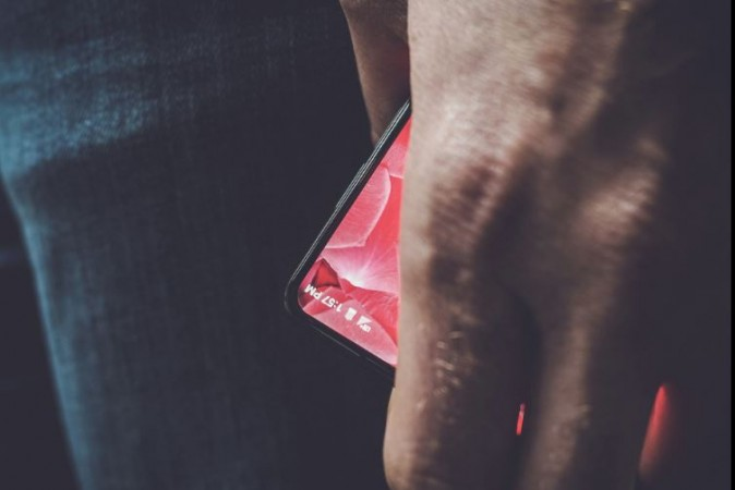 Essential Products Inc, Andy Rubin, Android, Essential mobile teaser, launch date, specs