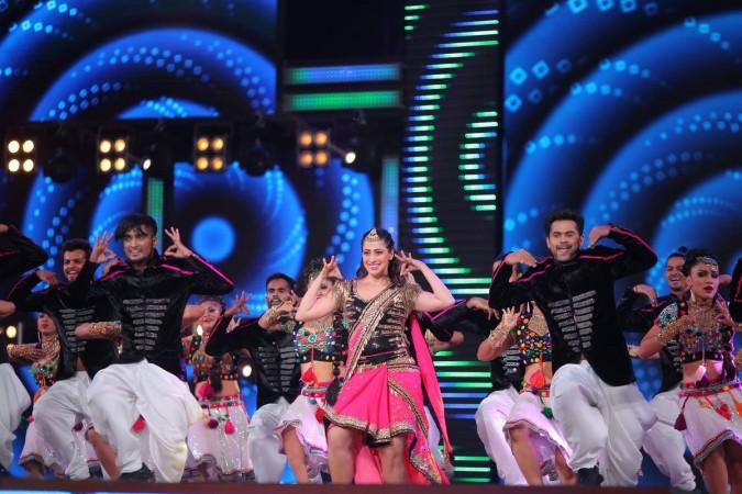 Raai Laxmi aka Lakshmi Rai performs at IIFA Utsavam 2017