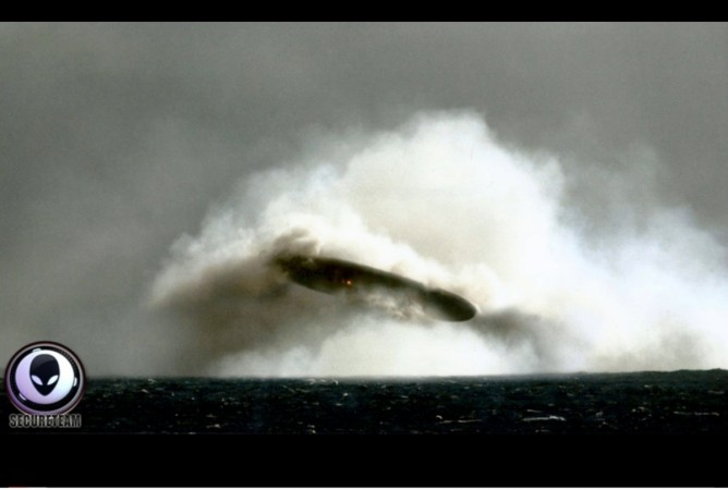ufo, spotted, strange, mystery, underwater, NUFORC, US, navy,