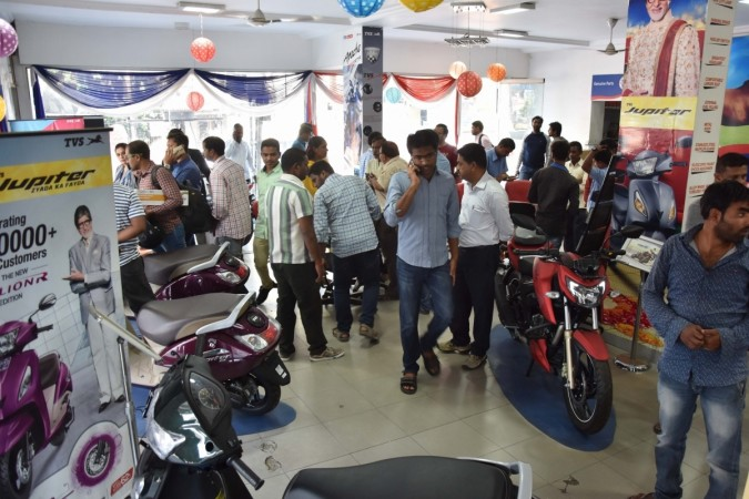 bs iii vehicles, discount on scooters, discount on motorcycles, domestic auto sales, scooter sales, motorcycle sales, bs iii discount