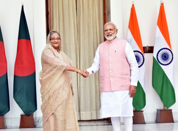 The Prime Minister, Shri Narendra Modi with the Prime Minister of Bangladesh, Ms. Sheikh Hasina, at Hyderabad House, in New Delhi on April 08, 2017.