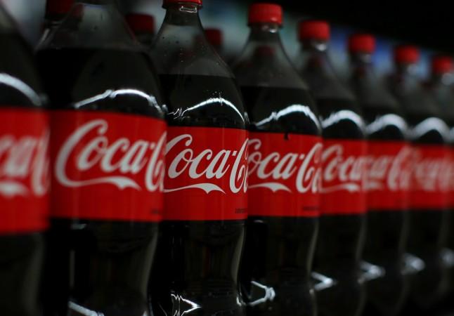 coca cola, coke, Greenpeace, plastic, environment,