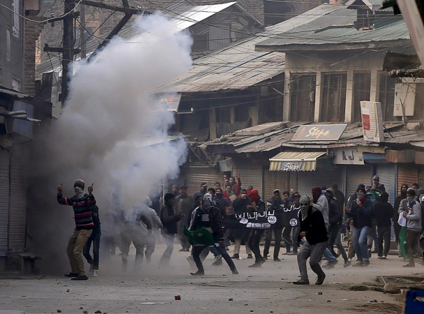 Stone pelting jammu and kashmir