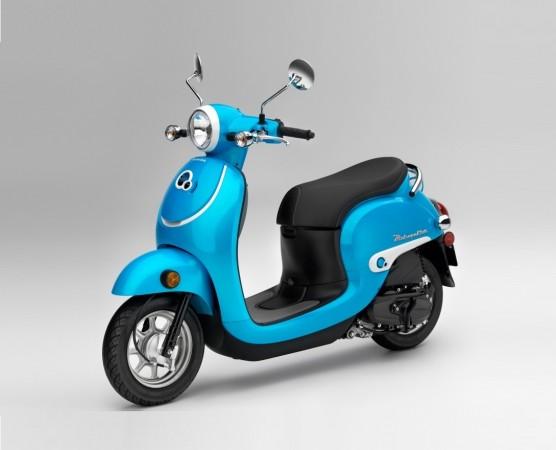 Vespa beware! Honda Scoopy scooter with retro-modern design coming
