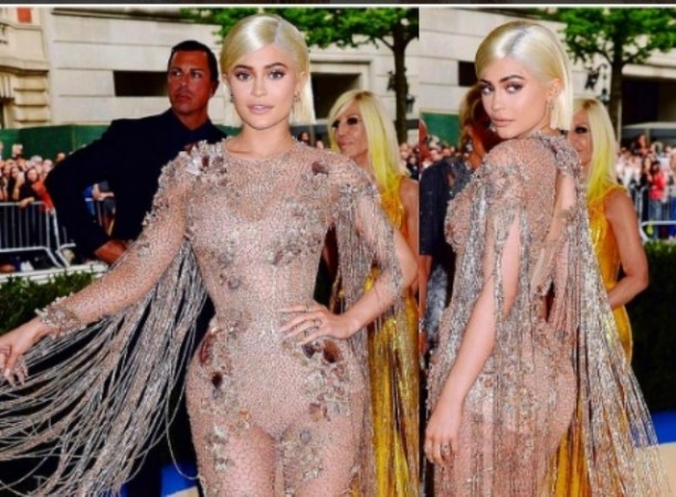 Conspiracy theory claims Kylie Jenner died in 2013 - IBTimes India