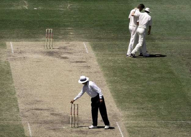 Cricket bails, bails, Australia cricket, middle stump