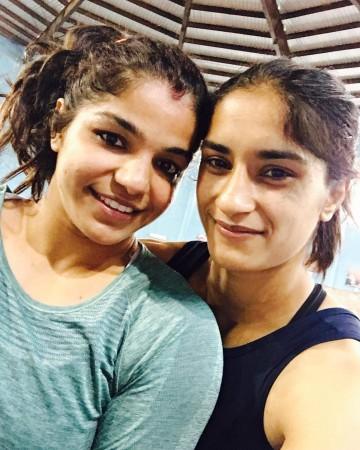 Sakshi Malik and Vineh Phogat