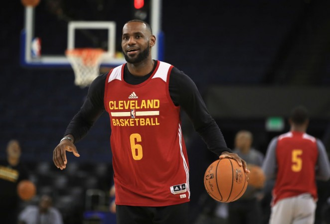 Watch Golden State Warriors vs Cleveland Cavaliers NBA Finals 2017 live - IBTimes India