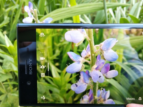 Sony Xperia XZ Premium unboxing and first look