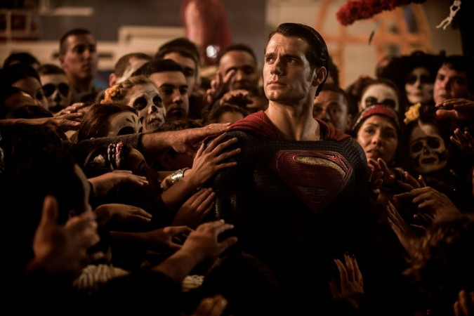 Superman Henry Cavill halts traffic to save a life [VIDEO] - IBTimes India