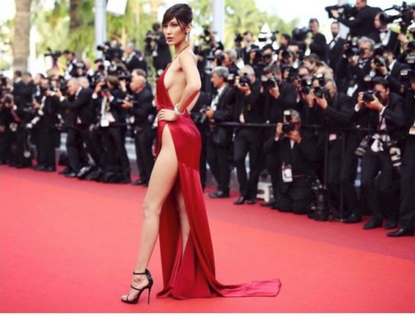 Bella Hadid flashes her assets in a very revealing top as she looks like a 70s star [PHOTOS] - IBTimes India