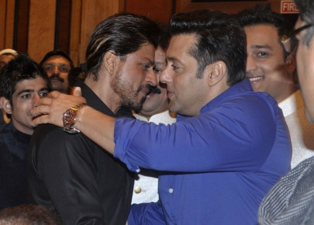 Shah Rukh Khan, Salman Khan at Baba Siddiqui's Iftar party 2014