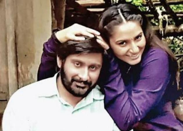 Dhruva Sharma with Ragini Dwivedi on Kichchu set